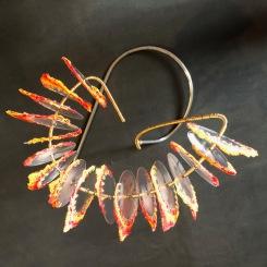 interprétation de la fleur, sculpture en Plexiglas, acier, laiton, fil de coton